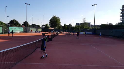 Tennisburen-1.JPG